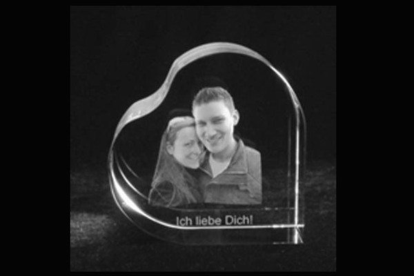 romantische geschenke in glas und f r die ewigkeit presse zentrum. Black Bedroom Furniture Sets. Home Design Ideas