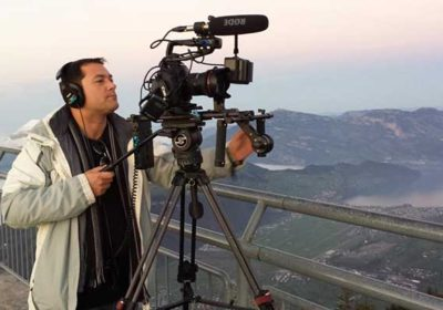 Inhaber vom Kamera Verleih Luzern beim filmen