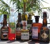 Etiketten-auf-Flaschen