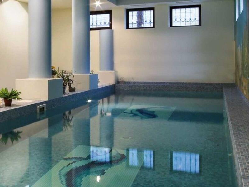 indoor swimmingpool bau